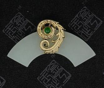 翡翠项坠 金工玉作 爱迪尔珠宝 精品库 珠宝之家高清图片